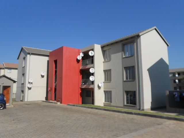 2 Bedroom Apartment For Sale For Sale In Fleurhof Home Sell Mr090509 Myroof