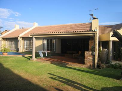 3 Bedroom House for Sale For Sale in Rooihuiskraal - Private Sale - MR00144