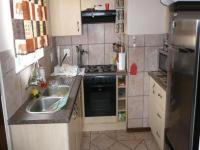 Kitchen - 6 square meters of property in Monavoni