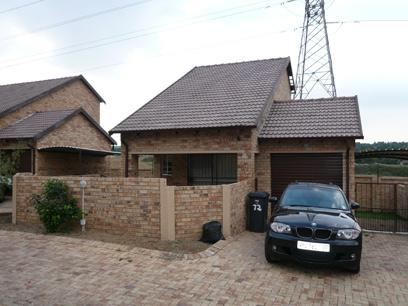 2 Bedroom Duplex for Sale For Sale in Rooihuiskraal - Home Sell - MR00225