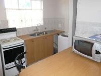 Kitchen - 7 square meters of property in Die Hoewes
