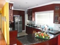 Kitchen - 21 square meters of property in Constantia Glen