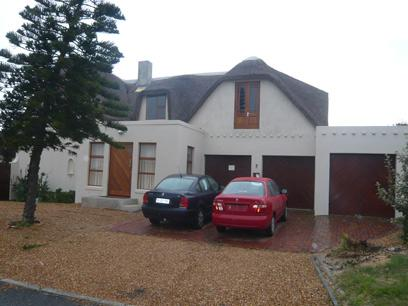 7 Bedroom House for Sale For Sale in Bloubergrant - Private Sale - MR00274