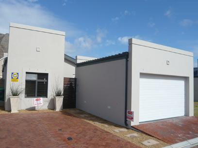 3 Bedroom Simplex For Sale in Muizenberg   - Private Sale - MR00281