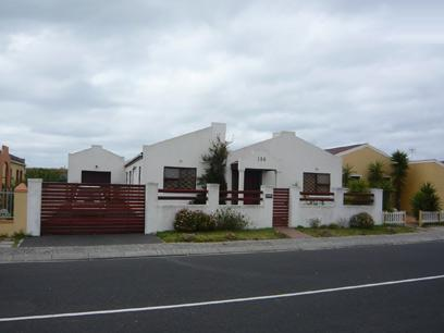 4 Bedroom House For Sale in Muizenberg   - Home Sell - MR00285