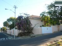 3 Bedroom 1 Bathroom Flat/Apartment for Sale for sale in Wynberg - CPT