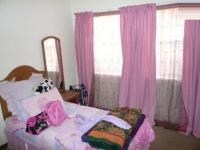 Bed Room 1 - 10 square meters of property in Waverley