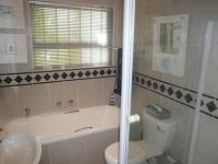 Main Bathroom - 2 square meters of property in Parklands