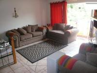 Lounges - 28 square meters of property in Sinoville