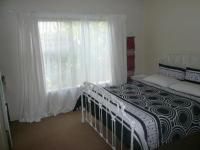 Bed Room 1 of property in Sinoville