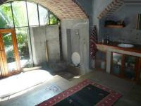 Main Bathroom - 14 square meters of property in Riviera