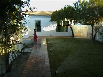 3 Bedroom House to Rent in Marina da Gama - Property to rent - MR00486