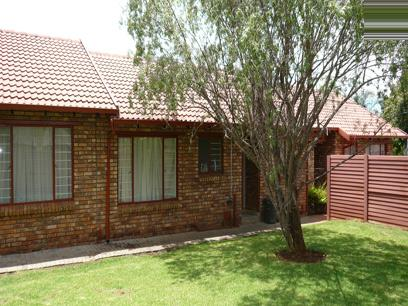 2 Bedroom Duet for Sale For Sale in Rooihuiskraal North - Private Sale - MR01180