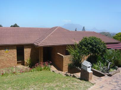 5 Bedroom House for Sale For Sale in Kraaifontein - Home Sell - MR01288
