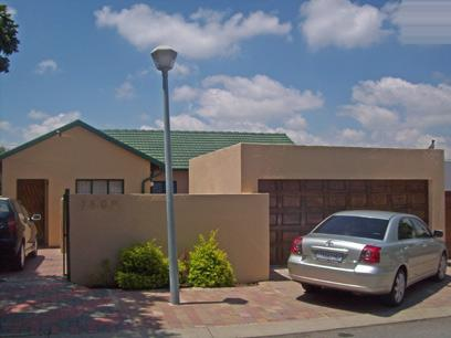 3 Bedroom Cluster For Sale in Midrand - Home Sell - MR01457
