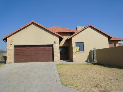 Standard Bank Repossessed 3 Bedroom House for Sale on online auction in Silver Lakes Golf Estate - MR01470