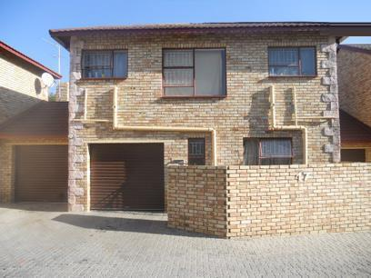 Standard Bank Repossessed 3 Bedroom Apartment For Sale in Wilgeheuwel  - MR01485
