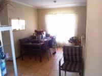 Dining Room - 13 square meters of property in Olievenhoutbos