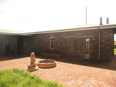 Standard Bank Repossessed 4 Bedroom House for Sale on online auction in Krugersdorp - MR01520