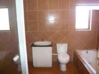 Bathroom 1 - 20 square meters of property in Silver Lakes Golf Estate