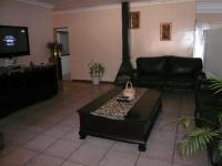 Lounges - 21 square meters of property in Silverton