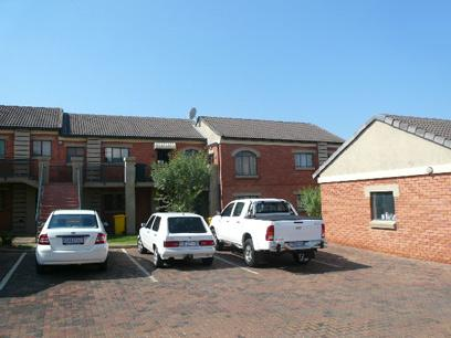 2 Bedroom Simplex For Sale in Mooikloof Ridge - Private Sale - MR021983