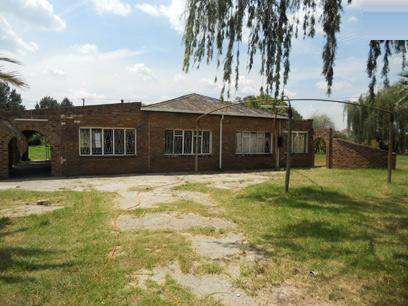 Standard Bank Repossessed 2 Bedroom House for Sale For Sale in Brakpan - MR022001