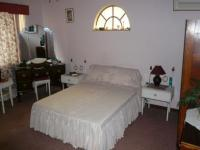 Bed Room 1 - 18 square meters of property in Claremont