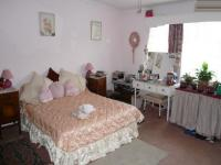 Main Bedroom - 23 square meters of property in Claremont