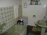 Bathroom 1 - 5 square meters of property in Claremont