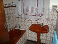 Bathroom 2 - 5 square meters of property in Claremont