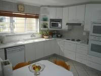 Kitchen - 18 square meters of property in Hout Bay
