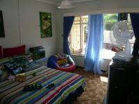 Bed Room 1 - 13 square meters of property in Sinoville