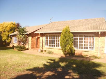 Standard Bank Repossessed 3 Bedroom House For Sale in Rynfield - MR022045