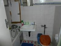 Bathroom 1 - 6 square meters of property in La Montagne