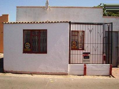 Standard Bank EasySell 3 Bedroom House For Sale in Bellair - CPT - MR022188