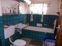 Main Bathroom - 7 square meters of property in Silverton