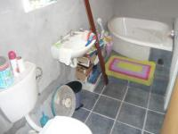 Bathroom 2 - 8 square meters of property in Woodlands - CPT