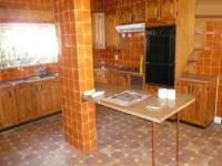 Kitchen - 18 square meters of property in Moregloed