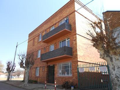 Standard Bank Repossessed 2 Bedroom Simplex for Sale on online auction in Brakpan - MR022496