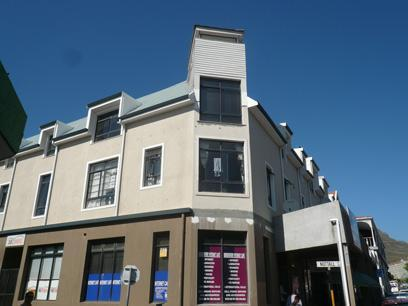 2 Bedroom Apartment For Sale in Observatory - CPT - Private Sale - MR022502