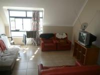 Lounges - 20 square meters of property in Observatory - CPT
