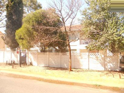 Standard Bank Repossessed 2 Bedroom Apartment for Sale on online auction in Windsor - MR022520