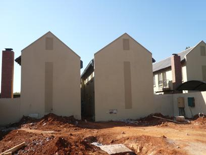 2 Bedroom Duplex for Sale For Sale in Pretoria North - Private Sale - MR02254