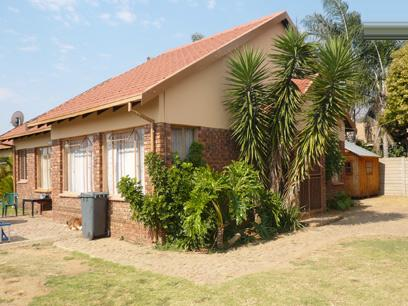 3 Bedroom House for Sale and to Rent For Sale in Pierre van Ryneveld - Home Sell - MR02255
