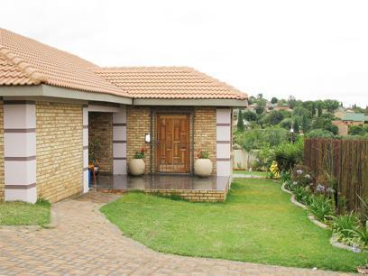 4 Bedroom House for Sale For Sale in Noordheuwel - Private Sale - MR022562