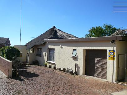 4 Bedroom Duet for Sale For Sale in Garsfontein - Home Sell - MR022629