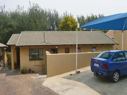 2 Bedroom House for Sale For Sale in Randpark - Private Sale - MR02281