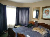 Bed Room 1 - 15 square meters of property in Raslouw