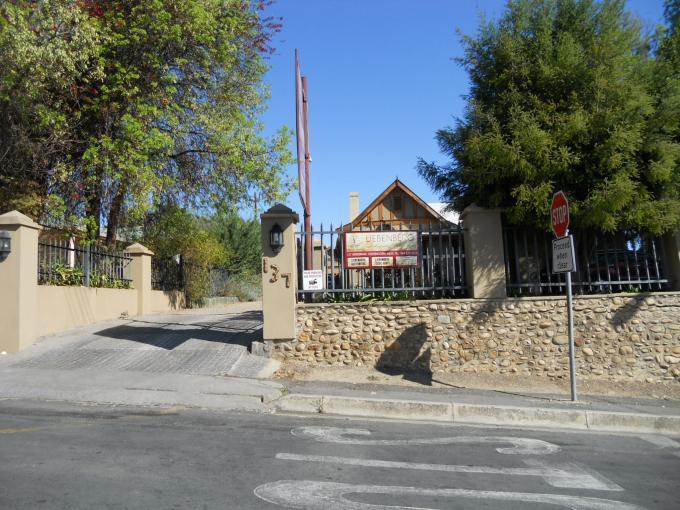 Standard Bank EasySell 3 Bedroom House For Sale in Oudtshoorn - MR022914